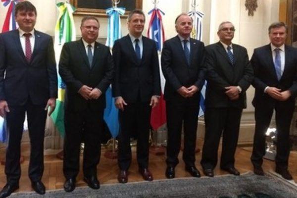 Ministros da Agricultura reunidos na Argentina (Foto: Mapa/Divulgação)