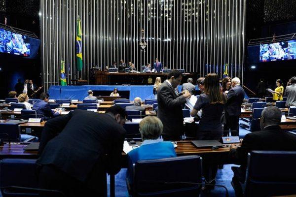 Aprovada de forma simbólica pela maioria dos senadores, a MP segue agora para sanção presidencial (Foto: Jonas Pereira/Agência Senado)